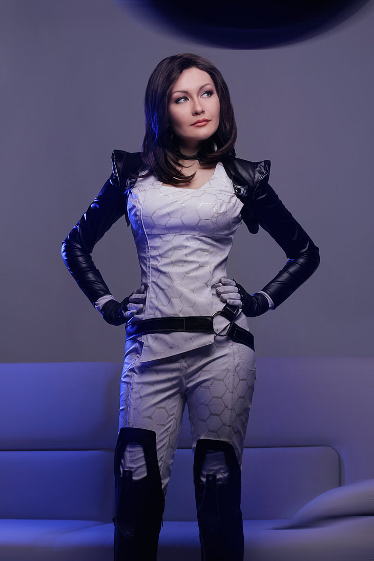 mass_effect___miranda_lawson_cosplay_by_monoabel-d6xx69u