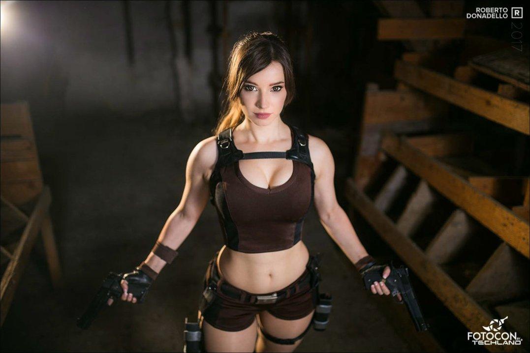 lara_croft___tomb_raider_cosplay_iv__by_enjinight-dbpkwyb