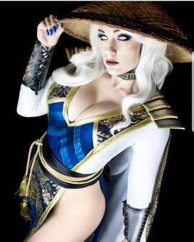 #MortalKombat #Raiden by @JennVanDamsel