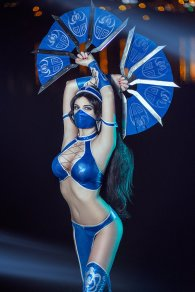Kitana Mortal Kombat IX Cosplay by AGflower - Photo by Ashitaro Photographer