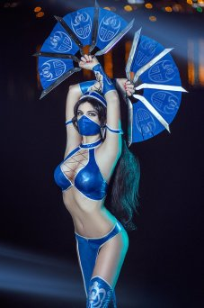 Kitana Mortal Kombat IX Cosplay by AGflower - Photo by Ashitaro Photographer