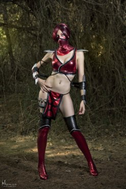 Skarlet - Mortal Kombat 9 by Nebulaluden - Photo by Hidrico